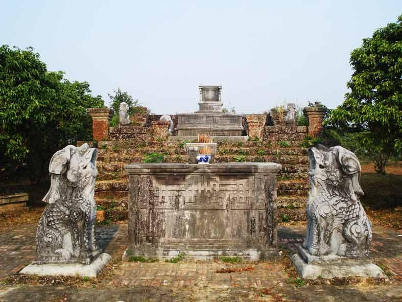 Nghê Đá Việt Nam Ở Lăng Miếu Bắc Giang