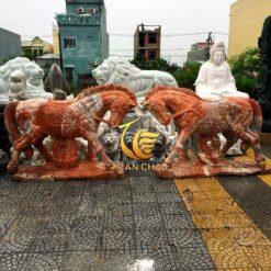 Tượng Đôi Ngựa Đá Để Cổng Tại Hà Nội