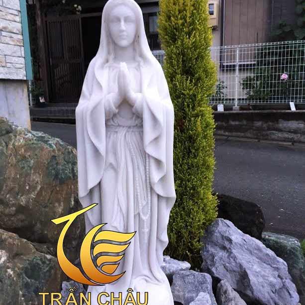 Tượng Đức Mẹ Hằng Cứu Giúp