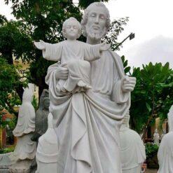 Tượng Thánh Giuse Tại Nhà Thờ Đà Nẵng