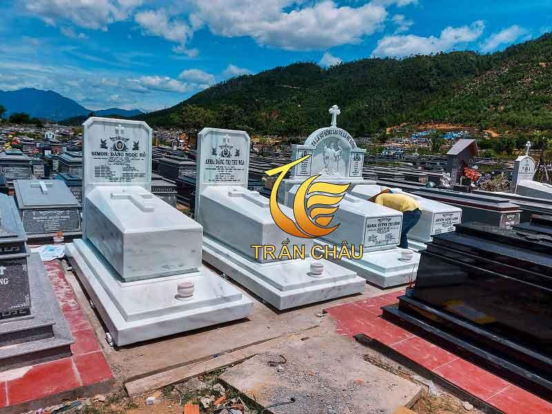 Lắp Đặt Mộ Đá Công Giáo Tại Nghĩa Trang