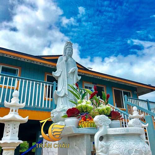 Bàn Thờ Phật Tại Chùa